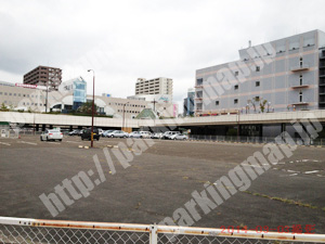 泉023:泉中央駐車場_05